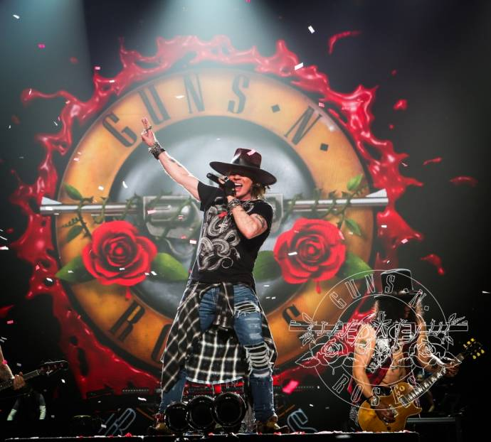 Guns N' Roses - Axl Rose, Slash und Duff McKagan im Berliner Olympiastadion      (C)Foto: LiveNation