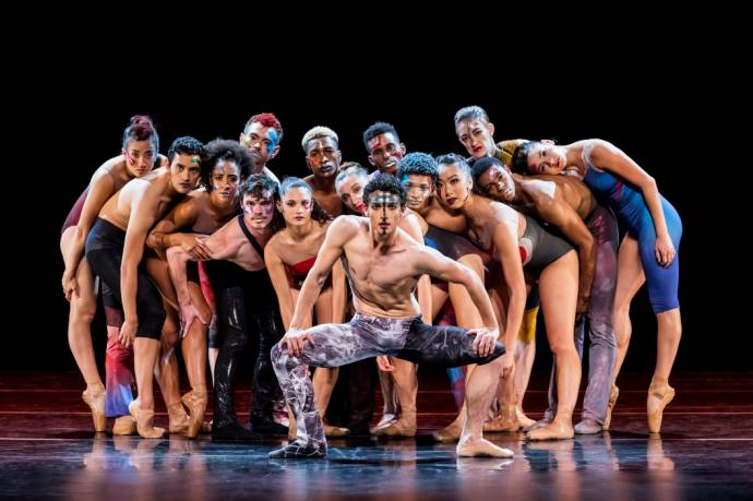 Star Dust - From Bach to Bowie -  Complexions Contemporary Ballet          (C)Foto: Sharen Bradford